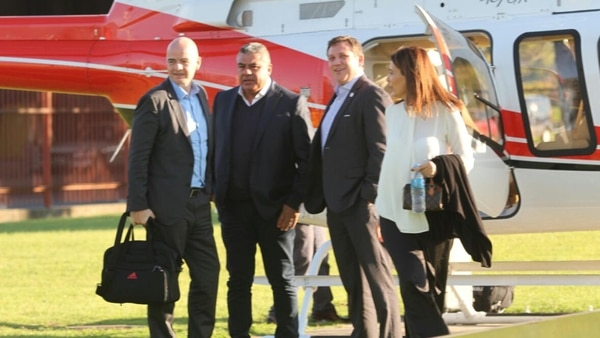 Tapia y Domínguez junto a Infantino en la Casa Rosada, tras el arribo del presidente de la FIFA