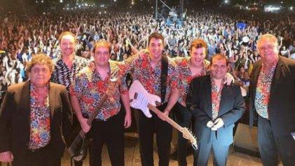 Los Palmeras en uno de sus multitudinarios shows (Foto: Instagram)