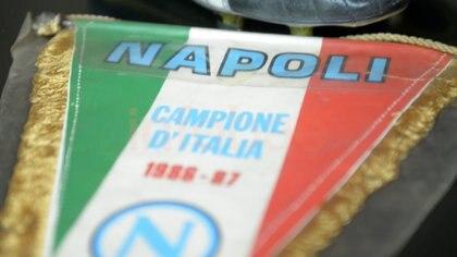 Banderín del Napoli de la temporada 86/87