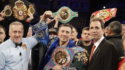 Gennady Golovkin celebra tras vencer a Vanes Martirosyan (Fotos: AP Photo/Chris Carlson)