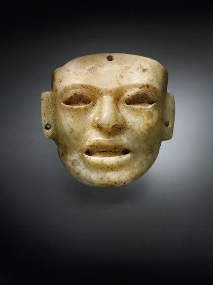 MÁSCARA CLÁSICA DE TEOTIHUACAN, APROX. 450-650 d. C. Precio estimado: EUR 25,000 - EUR 35,000.