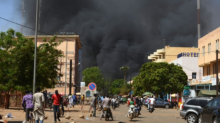 Imagen de archivo de un anterior ataque terrorista contra la embajada francesa , en 2018 (AFP)