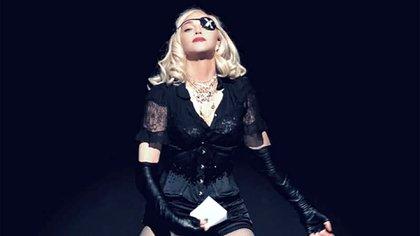 Madonna es una de las cantantes que más usa la corsetería en sus shows (Facebook: Madonna)