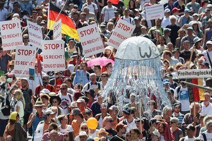 Miles de personas se concentran en Berlín (REUTERS/Fabrizio Bensch)