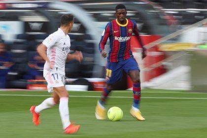 Ousmane Dembélé le costó 130 millones de euros al Barcelona y actualmente es suplente de Ansu Fati  (Reuters)