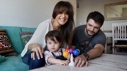María Fernanda Callejón, su hija, Giovanna, y su marido, Ricardo Diotto (Foto: Nicolás Stulberg)