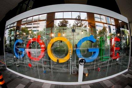 La multinacional estadounidense Google anunció este miércoles un acuerdo con once entidades financieras para permitir a partir de 2021 la apertura de cuentas bancarias en EEUU directamente desde su aplicación de pagos, Google Pay. EFE/EPA/WALLACE WOON/Archivo