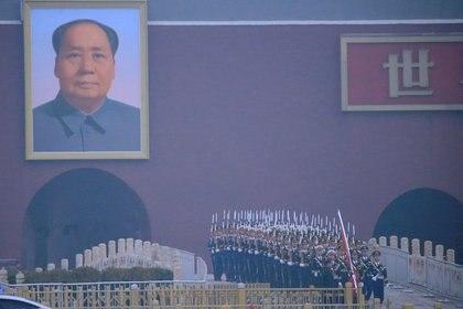 Soldados en la plazaTiananmen en una ceremonia anterior a la apertura del Congreso (REUTERS/Aly Song)