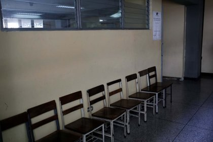 """""""El oficialismo va a capturar la mayoría de las cámaras municipales con un nivel de abstención histórico"""", comentó a la AFP Félix Seijas, director de la encuestadora Delphos"""