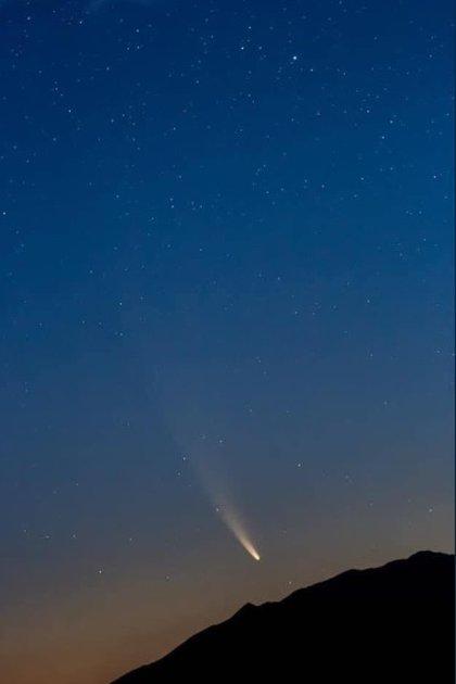 El cometa Neowise desde las Termas de San Joaquín (Foto: Luis Montemayor vía Twitter)