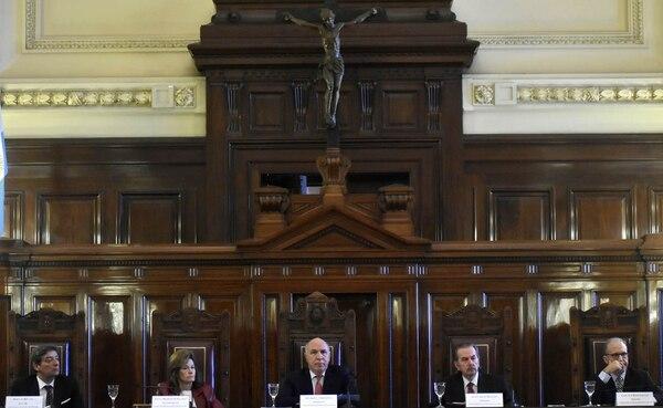 Los cinco jueces de la Corte Suprema que resolvieron el impuesto de Ganancias (DyN)