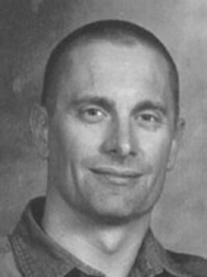 Robert William Fisher nació el 13 de abril de 1961 en Brooklyn, Nueva York