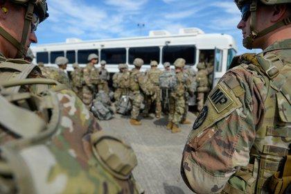 Soldados estadounidenses en Harlingen, Texas,el 1 de noviembre de 2018 (EFE / Alexandra Minor / Foto cedida por el Ejército de EEUU)