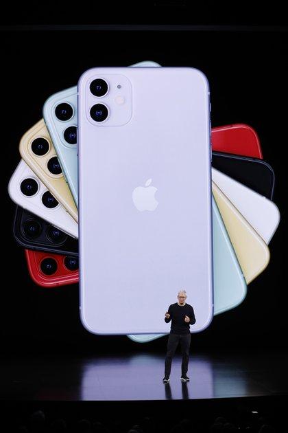 Tim Cook presentó el iPhone 11 el 10 de septiembre de 2019 en Cupertino, California (REUTERS/Stephen Lam)