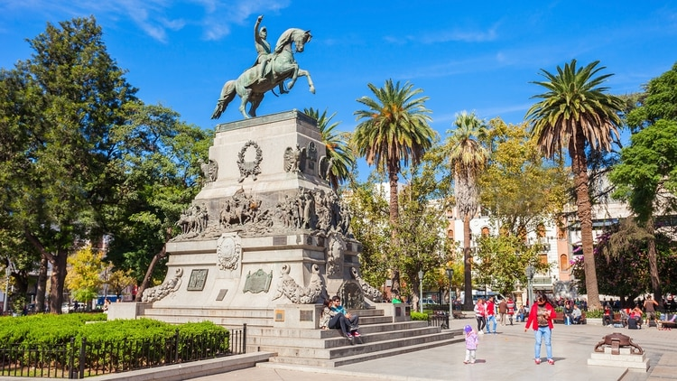 Córdoba es un excelente destino para aquellos que desean ver un poco de todo: una gran ciudad, sierras, montañas y lagos increíbles