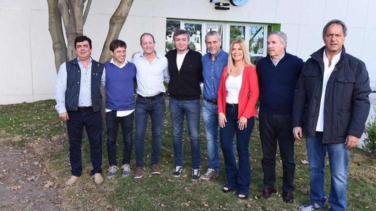Espinoza, Magario, Insaurralde, Máximo Kirchner, Ferraresi, Magario, Solá y Scioli