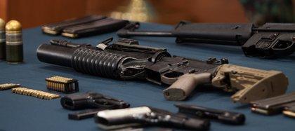 Parte del armamento que se le encontró a Félix León durante su detenciòn (Foto: Cuartoscuro)