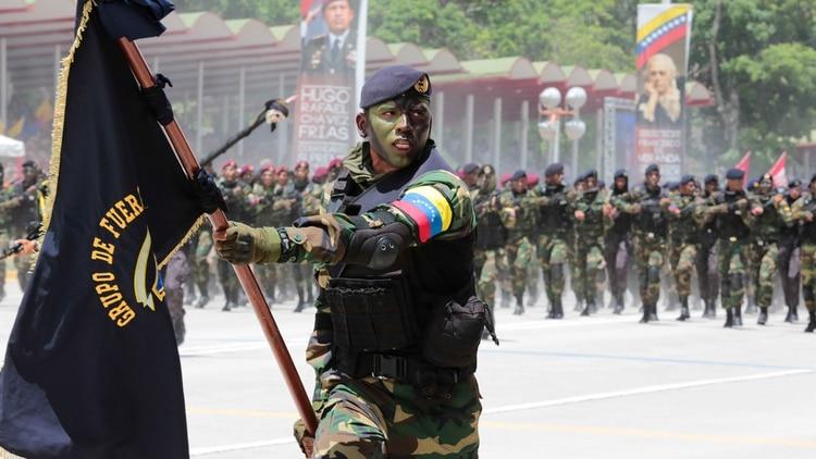 Desfile del Ejército venezolano (Reuters)