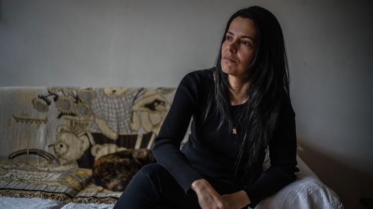 La esposa del capitán Rafael Acosta, Waleswka Pérez, dijo que la muerte de su esposo forma parte de un patrón de abusos cometidos por el Estado venezolano (Federico Rios Escobar para The New York Times)