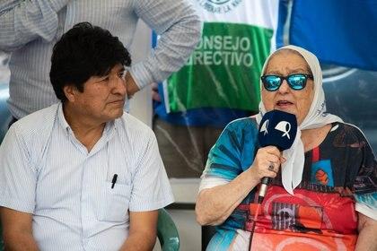 Hace una semana, Evo Morales junto a Bonafini en la tradicional marcha de los jueves