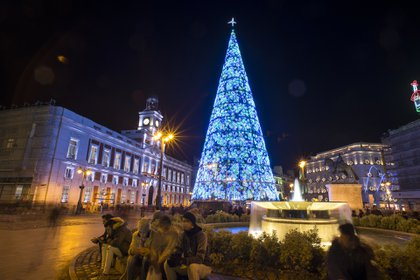 El borrador del plan que el Gobierno prepara para la Navidad incluye la limitación de reuniones a un máximo de seis personas y un toque de queda hasta la una de la madrugada los días 24 y 31 de diciembre AFP PHOTO / JAVIER SORIANO