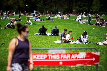 Central Park, en Nueva York, con las recomendaciones de distanciamiento social (Reuters)