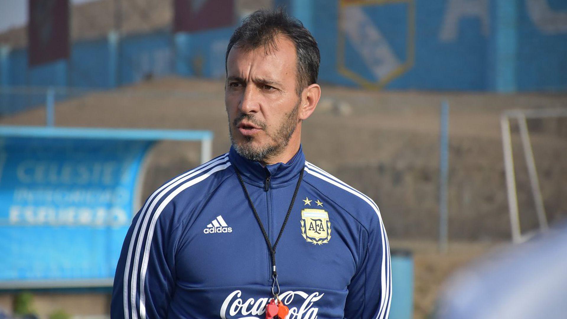 Fernando Batista dirigió a Argentina en el Sudamericano y el Mundial Sub 20