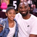 Kobe Bryant y su hija Gianna en un encuentro del WNBA All Star Game, Mandalay Bay Events Center, Las Vegas, 27 julio 2019. Stephen R. Sylvanie-USA TODAY Sports/Imagen de archivo