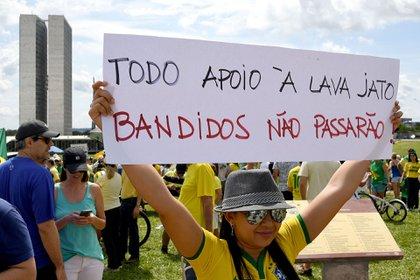 La sociedad empezó a mostrar una gran desconfianza en la clase política (AFP)