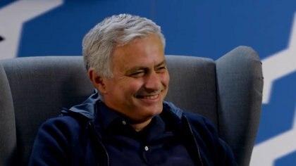 Divertido cara a cara de Mourinho con su imitador: el consejo para mejorar y la reacción ante las parodias de Klopp y Emery