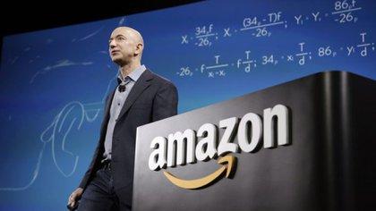 """Este llamadode atención a Bezos llegó varias semanas después de que la Unión Americana de Libertades Civiles criticara que el software podría emplearse """"para controlar a inmigrantes"""" o para establecer quién """"ha participado en una protesta"""""""