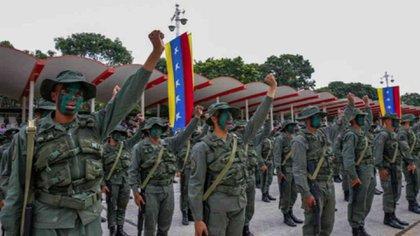 La Fuerza Armada debe regresar a los cuarteles