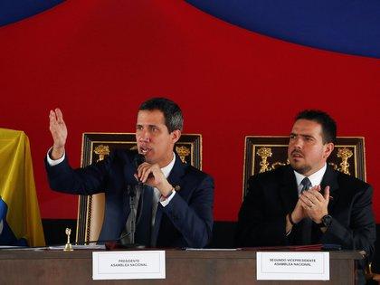Juan Guaidó encabezó la sesión de calle (Reuters)