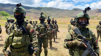Fuerzas de Acciones Eepeciales juramentadas por el almirante Ceballos Ichaso