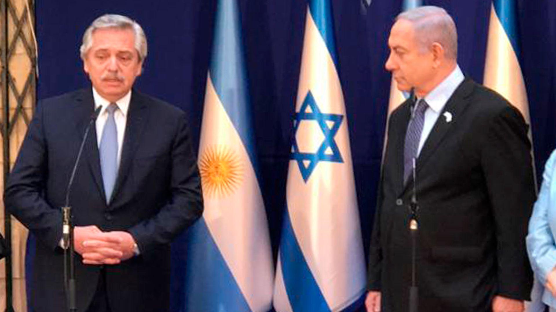 Alberto Fernández durante su visita oficial a Benjamín Netanyahu en Jerusalem