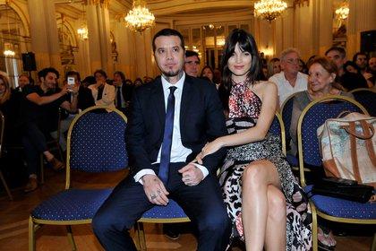El productor junto a su novia Carla Moure