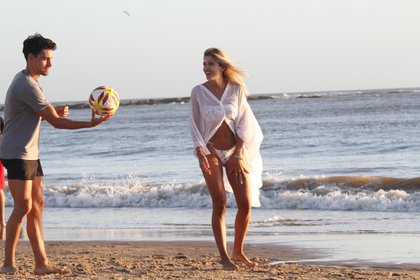 Cande Ruggeri y su novio celebraron la llegada del 2020 en Puna del Este (Fotos: GM Press)