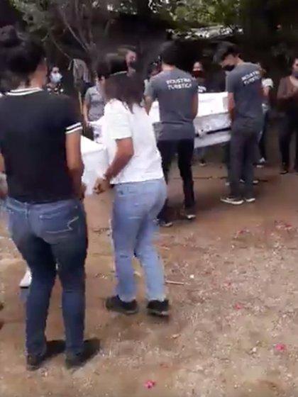 El funeral de María Concepción y su pequeño Alexander fue el pasado 30 de junio Foto: Facebook/ Lety Rodriguez