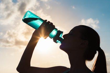 La hidratación es imprescindible por más que llueva (shutterstock)