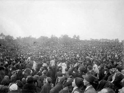 """Fotografía del 13 de octubre de 1917, durante el llamado """"Milagro del sol"""""""
