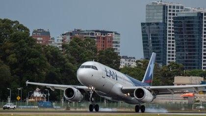 La aerolínea no operará más vuelos de cabotaje (Adrián Escandar)