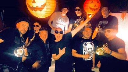 Adrián Cionco con sus compañeros de La Mosca