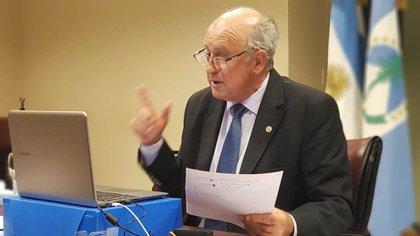 Oscar Parilli es uno de los senadores que impulsa la reforma del Ministerio Público