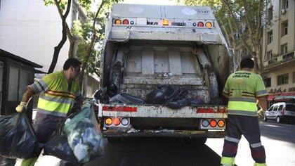 El gobierno porteño analiza reducir días laborales en el servicio de recolección de residuos en la Ciudad