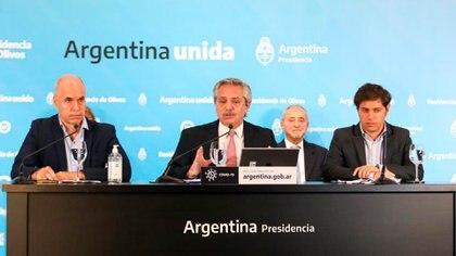 Horacio Rodríguez Larreta, Alberto Fernández y Axel Kicillof, durante el anuncio de la extensión de la cuarentena en el AMBA hasta el 8 de junio