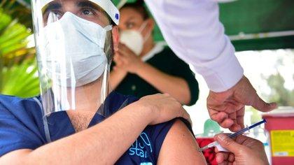 Iniciativa privada de Nuevo León cerca de adquirir vacuna Sputnik V  (Foto: Cuartoscuro)