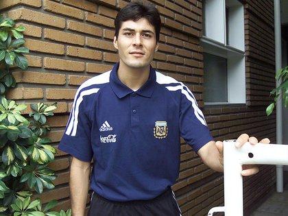 Julio Cruz, con la camiseta de la Selección (Foto: NA)