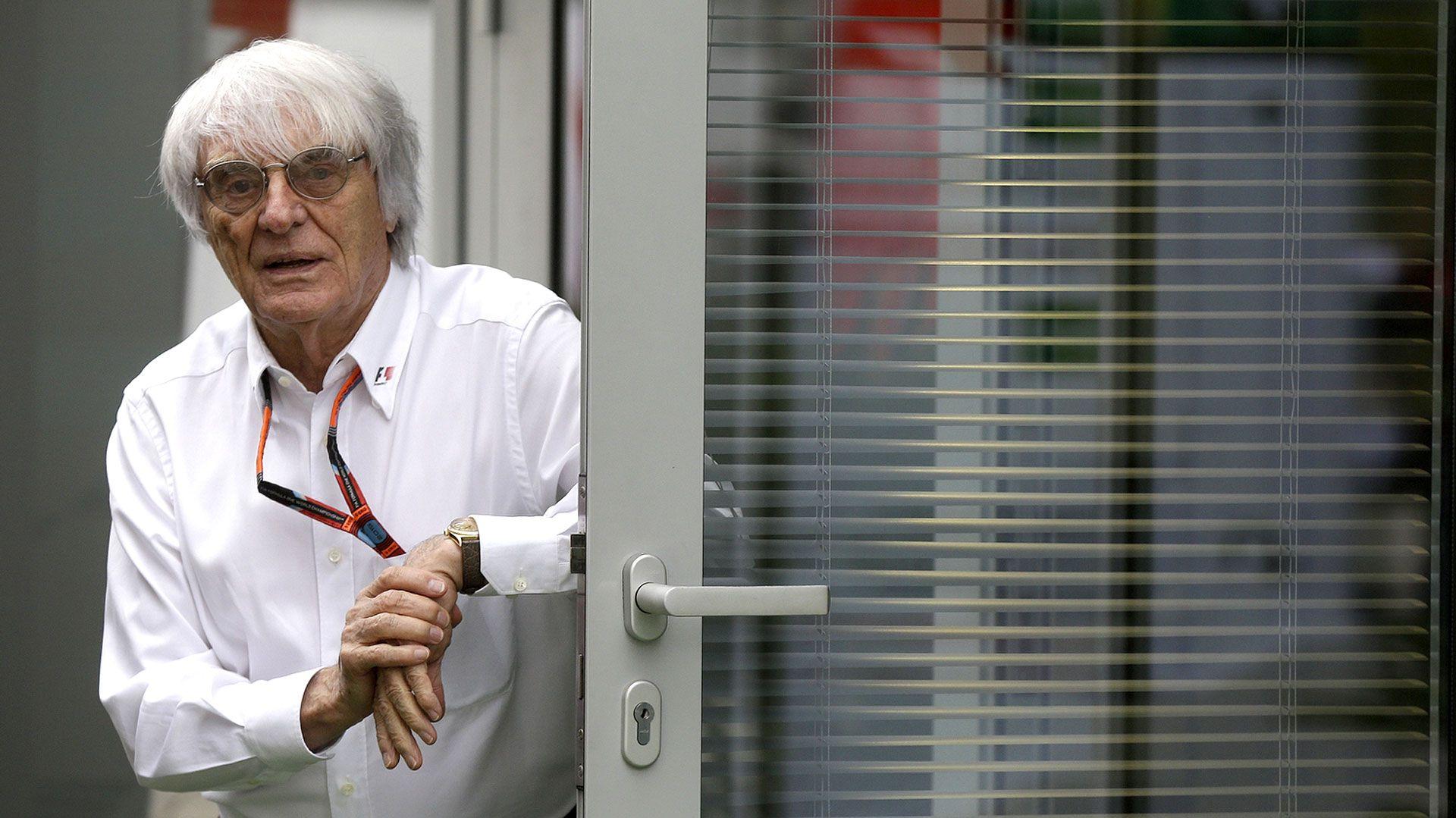 Tiene 89 años y sigue con proyectos, Bernie Ecclestone dialogó en Brasil con Infobae, mientras se paseaba por todos los boxes.