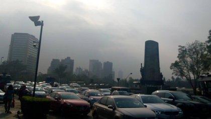 Las medidas buscan disminuir la exposición de la población al aire contaminado (Foto: Twitter @KiqueJournalist)