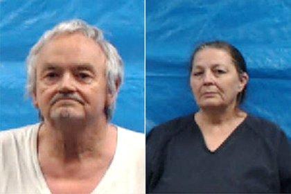 Michael Anthony Gray, de 63 años, y su esposa Shirley Ann Gray, de 60, comparecieron ante el juez y se declararon inocentes de los 42 cargos imputados en su contra por todo tipo de abusos contra sus cuatro hijos adoptados.